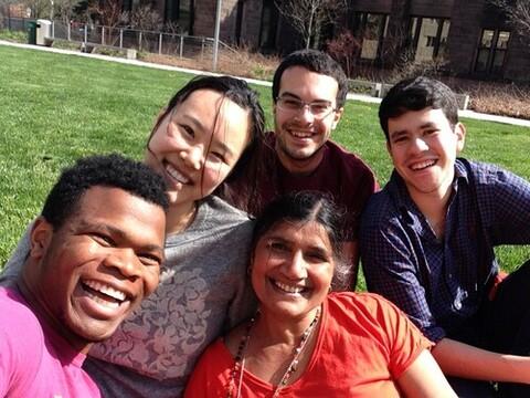 Aruna Pawashe and lab members